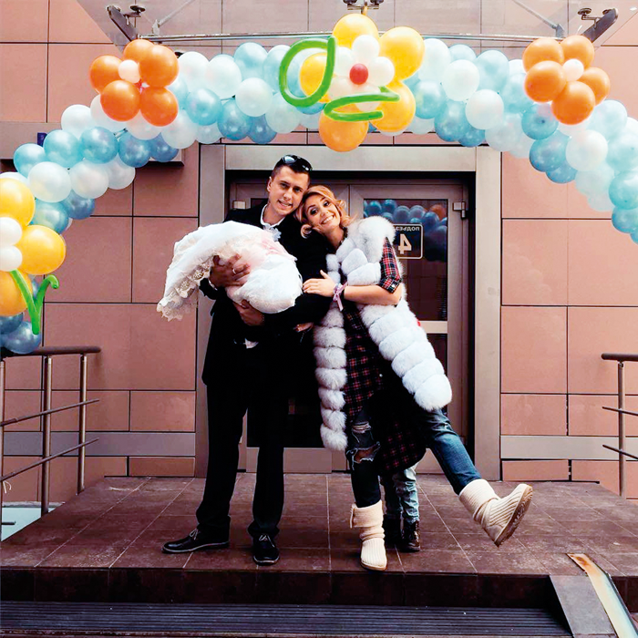 стэндфордского павел прилучный и агата муцениеце свадьба фото пригласительные, гости