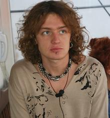 За 10 лет Май Абрикосов кардинально изменился