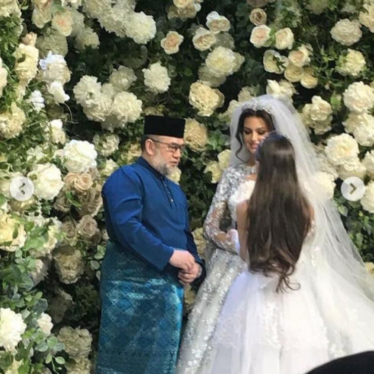 Бракосочетание Туанку Мухаммада V и Оксаны Воеводиной отметили на Рублевке
