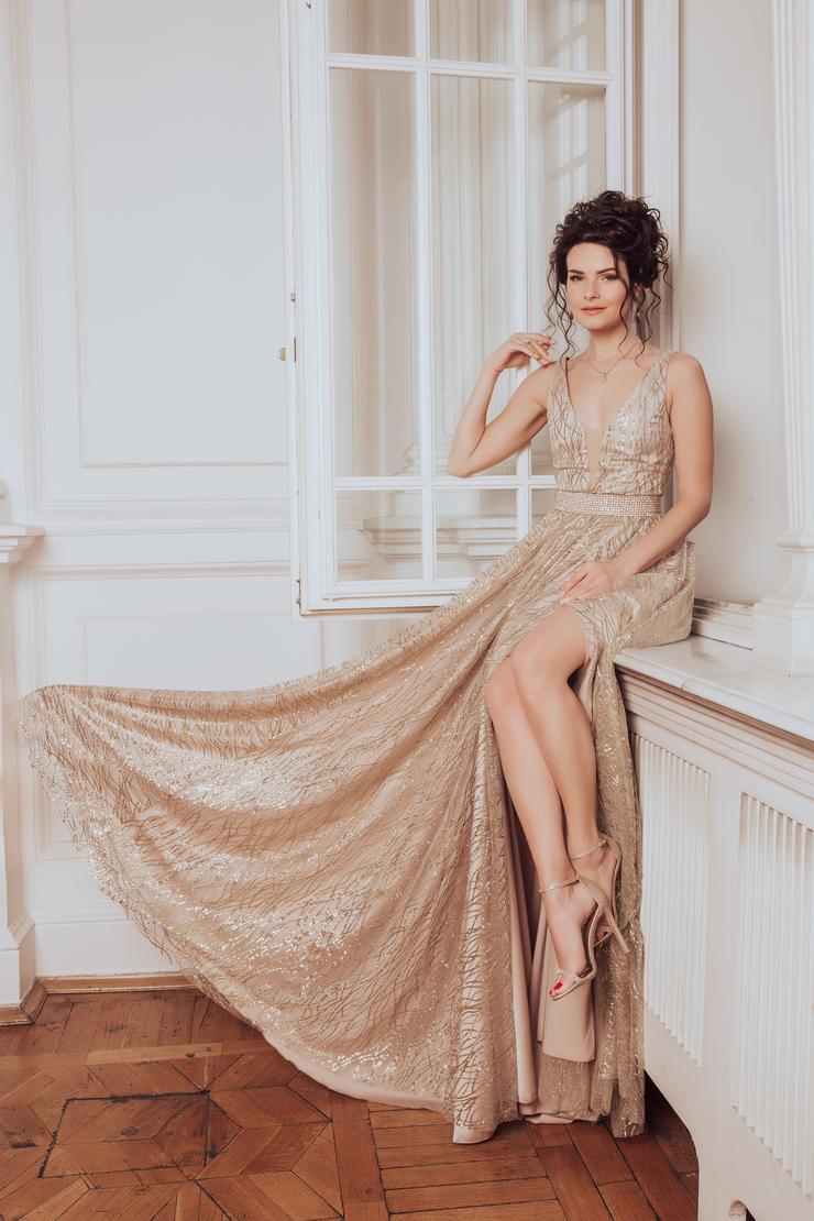 Актриса Анна Пескова