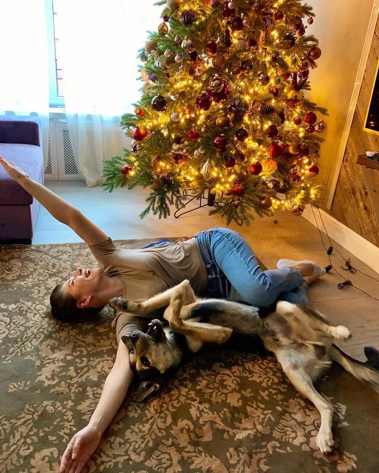 Екатерина Волкова уже украсила дом к Новому году