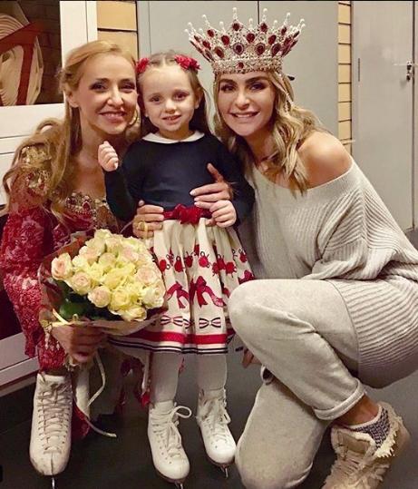 Дочь Татьяны Навки опубликовала семейное фото с. - Вокруг ТВ