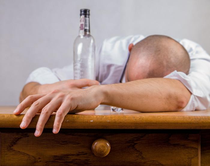 Жена алкоголика: как избавиться от зависимости — Психология
