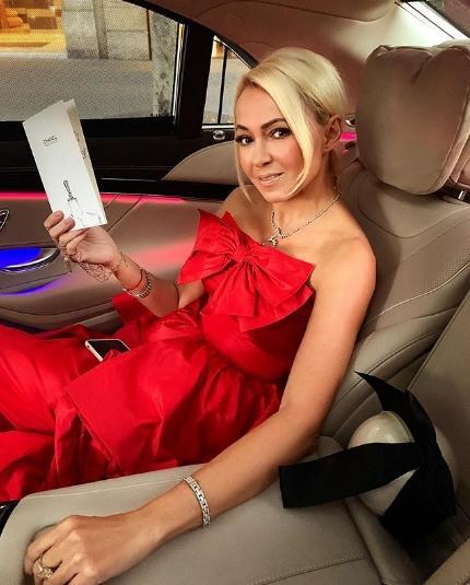 Рудковская восхитила подписчиков «платьем Золушки»