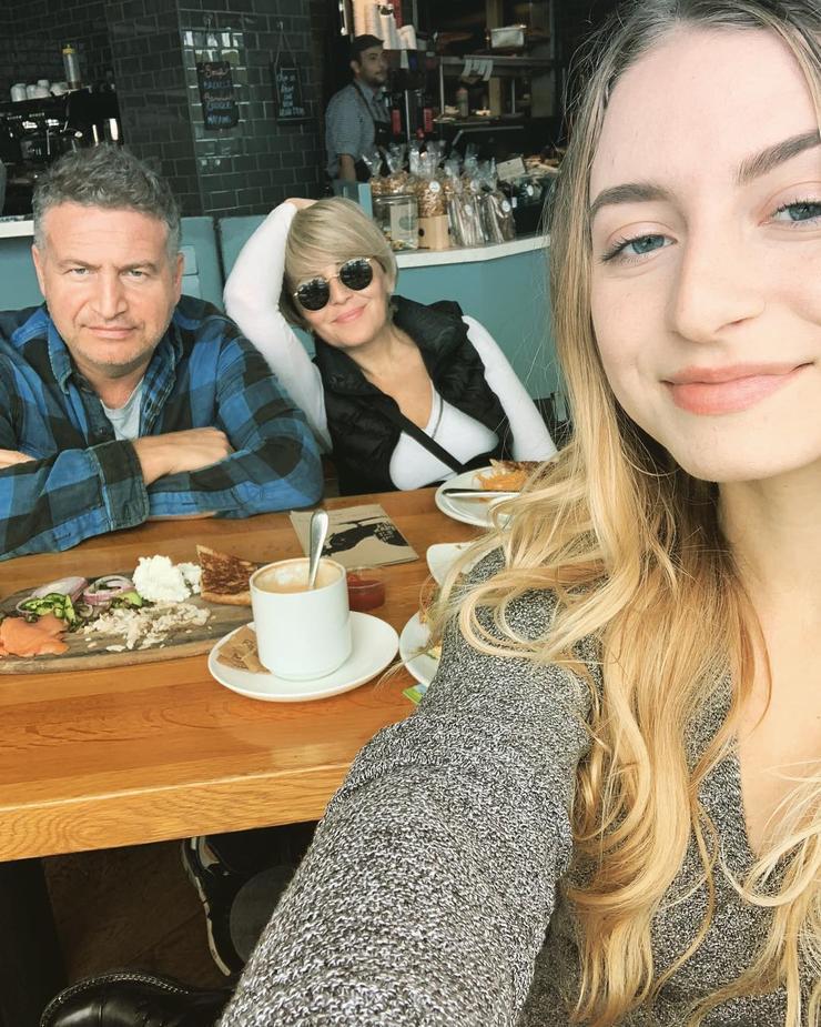 Звездная пара гордится дочерью Лизой