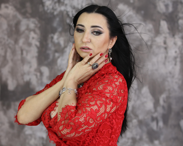 Экстрасенс об Анохиной и Водонаевой: «Мы стоим у начала конфликта»