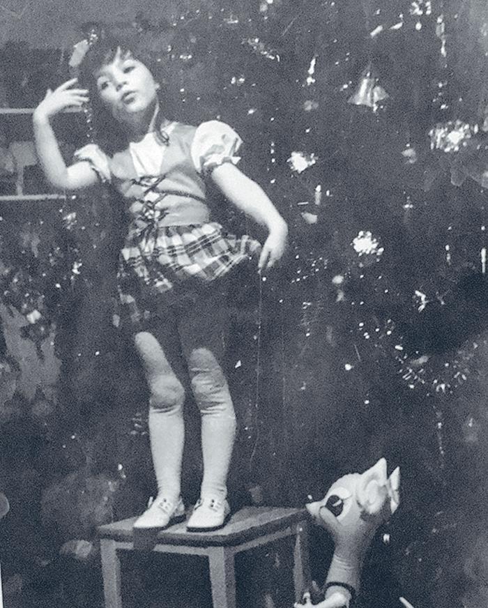 Алена Хмельницкая в детстве