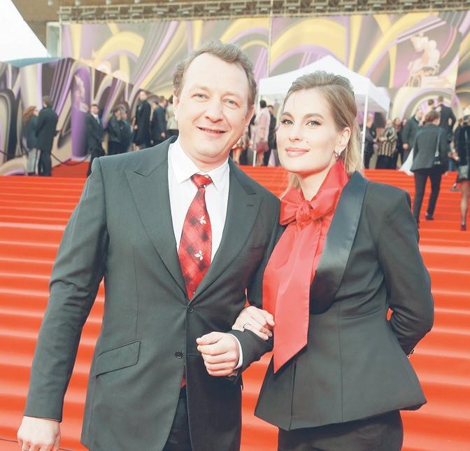 Башаров официально развелся с третьей женой