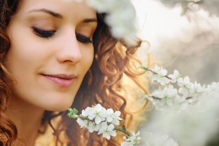 Луноликая красота? Как ухаживать за кожей с крупными порами | WMJ.ru | 467x700