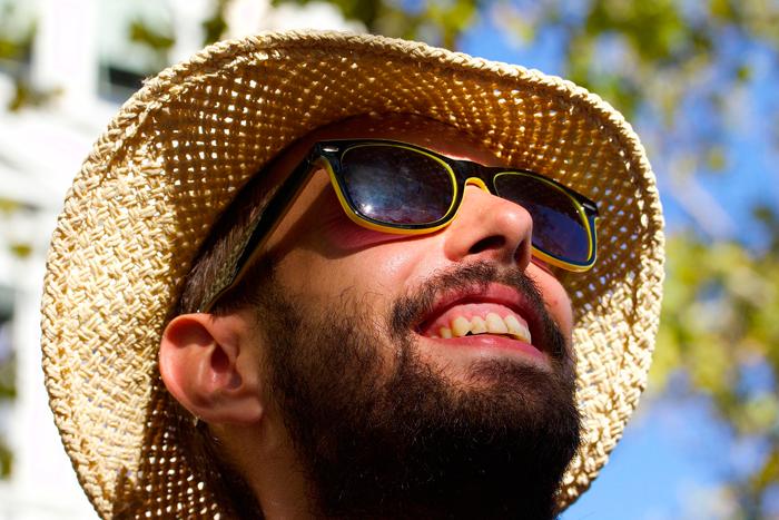 Соломенная шляпа - аксессуар, полюбившийся и мужчинам