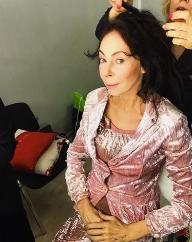 Марина Хлебникова снялась в эротической фотосессии для журнала ... | 496x394