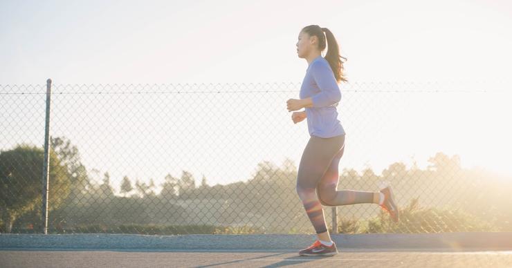 Без шапочки из фольги: верные способы определить, подходит ли уличный воздух для тренировки