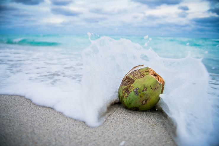 На море масло пригодится для защиты от солнца и красивого загара