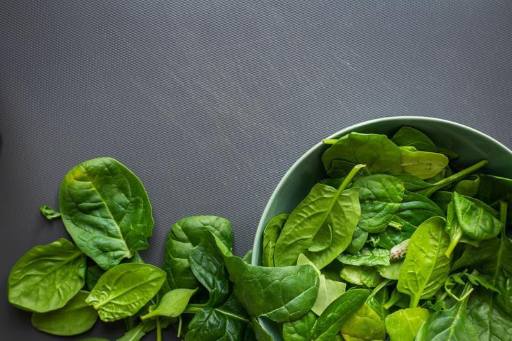 В шпинате полно витамина С