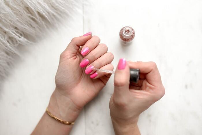 Под защитой: как сохранить красоту ногтей после маникюра в салоне