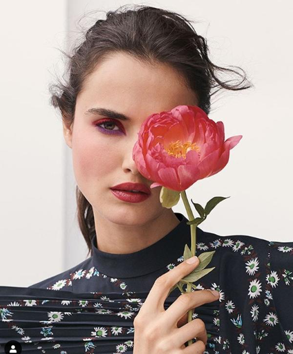 Монохром: оранжевый, алый и розовый макияж