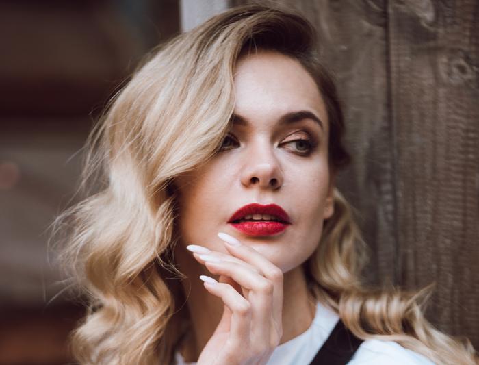Липофилинг губ: стоит ли делать