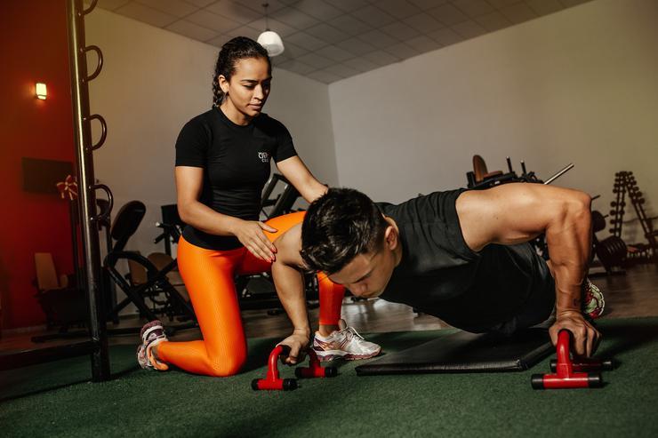 Тренер тренеру рознь: как выбрать наставника для занятий спортом