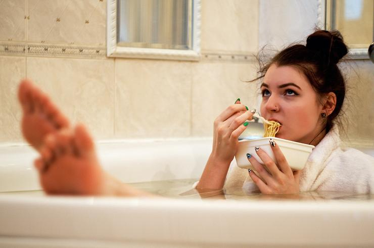 Не выходя из дома: как использовать детокс от косметики на благо коже