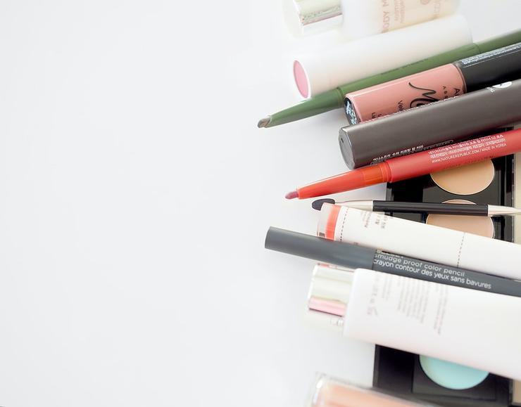 Не без вреда: разбираем опасные ингредиенты в косметике