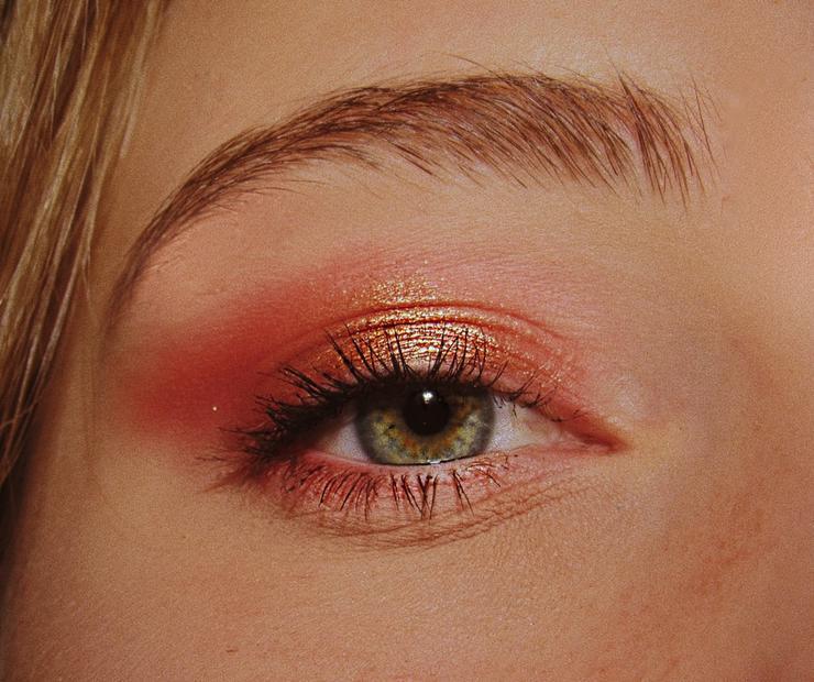 Совсем тепло: изучаем тренды в макияже на лето−2020
