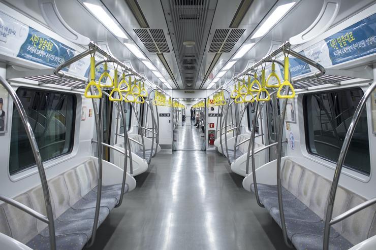 Общественный транспорт: 7 важных правил безопасности на время эпидемии