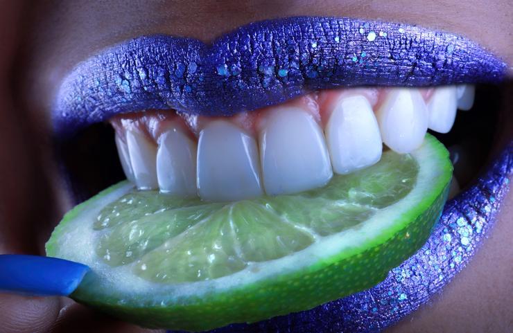 Новые зубы за 5 дней: мифы и правда об имплантации