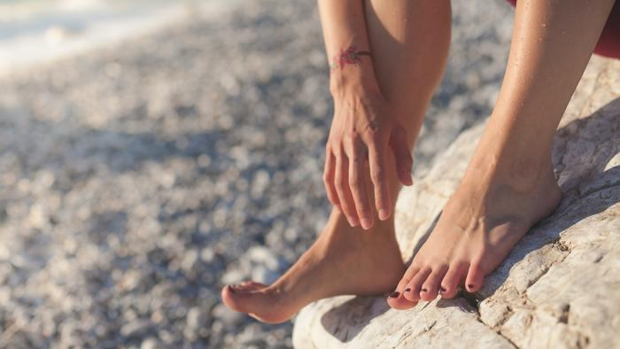 Ножки к босоножкам: секреты идеального педикюра в домашних условиях