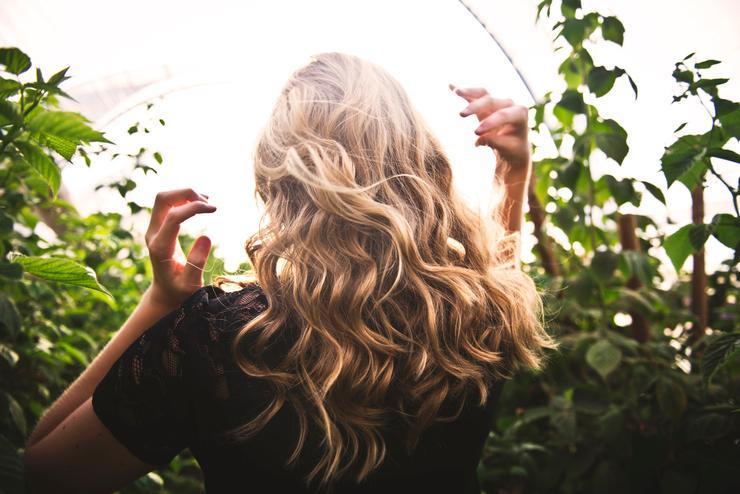Миссия выполнима: 6 важных советов, как защитить волосы летом