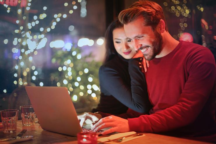 Мы познакомились в интернете: истории реальных пар
