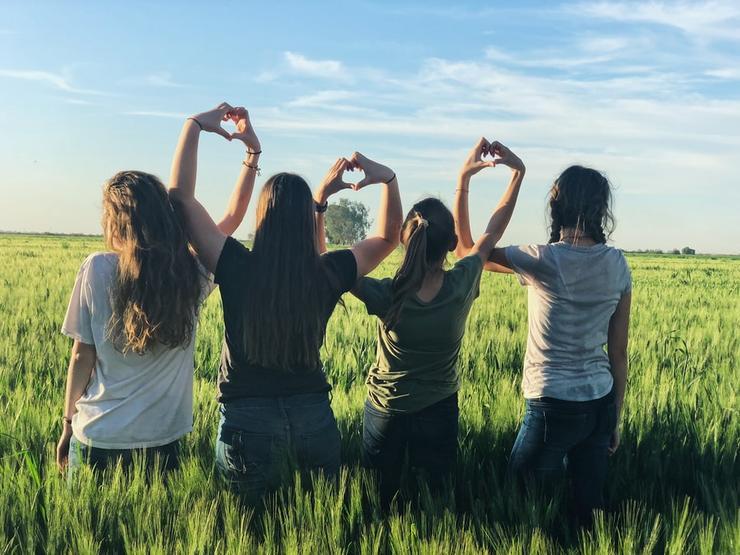 С подругой в отрыв: 4 фильма о яркой женской дружбе