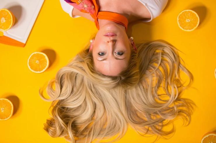 Неразумная экономия: почему не стоит красить волосы дома