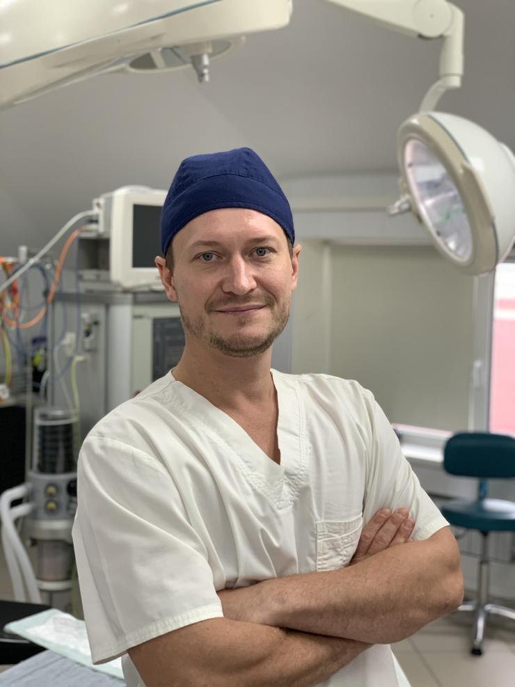 Пластический хирург Глеб Тумаков