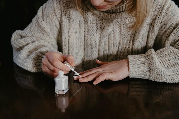 Ногти под защитой: правила безопасного маникюра