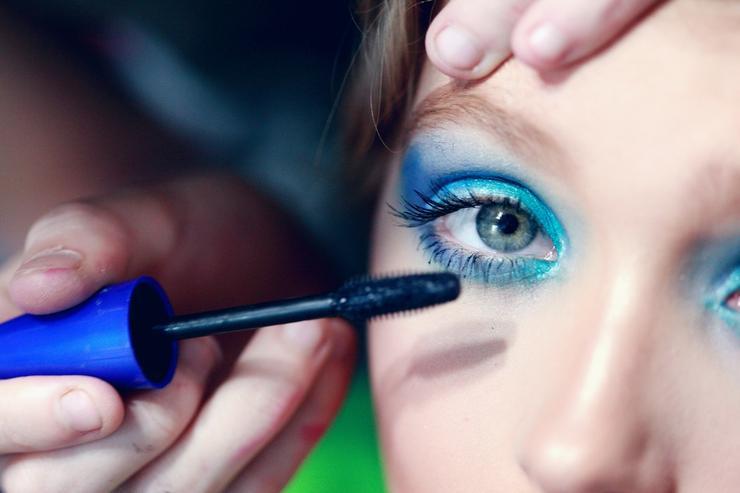 10+ лет: 5 ошибок в макияже, которые вас не красят
