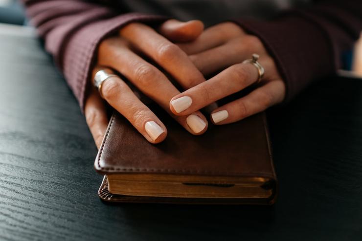 Белоручка: 4 лайфхака, чтобы нежная кожа осталась идеальной