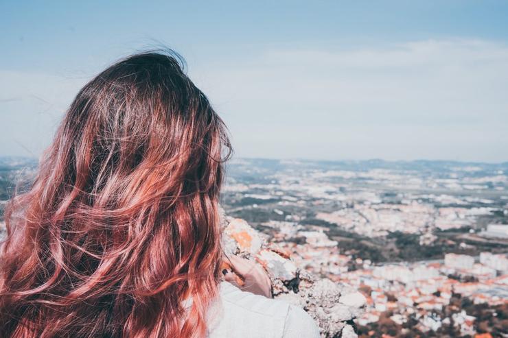 Сочный персик: почему стоит попробовать трендовый оттенок волос 2021