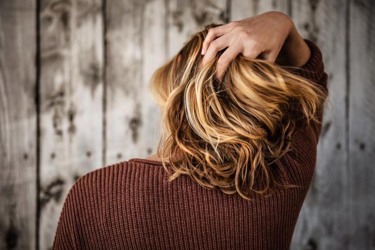 учимся правильно распутывать волосы без повреждений