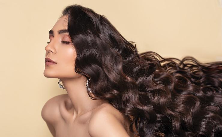 4 привычки, которые заставят волосы страдать