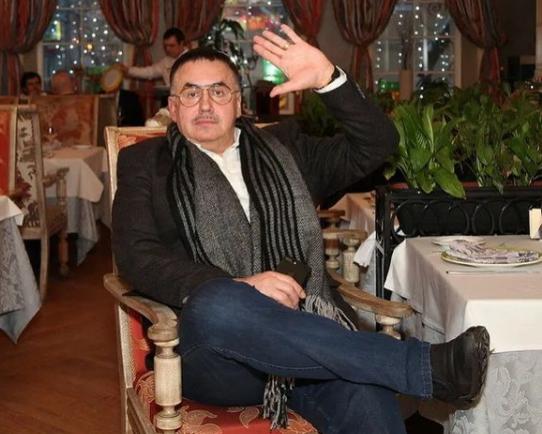 «Вдовой взял, вдовой оставишь»: Садальский высказался о разводе Федосеевой-Шукшиной и Алибасова