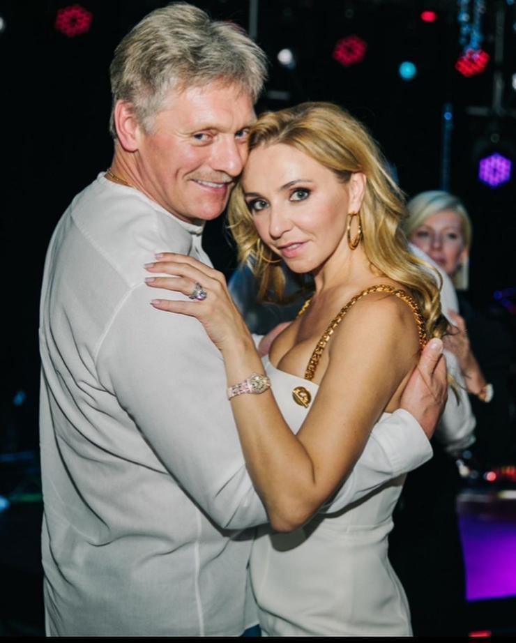 Татьяна Навка показала фото с Дмитрием Песковым из Крыма