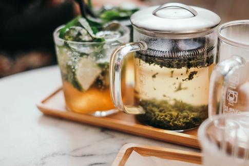 Спокойствие, только спокойствие: готовим чай из растений, польза которых для психики доказана наукой