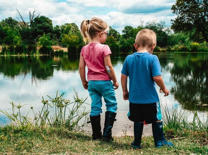 Внимание, дети на даче: 5 способов обезопасить участок для вашего малыша