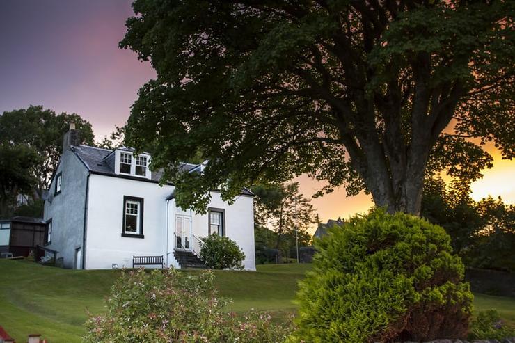 Сказочный минимализм: актуальные стили дачных домов, которые вас удивят