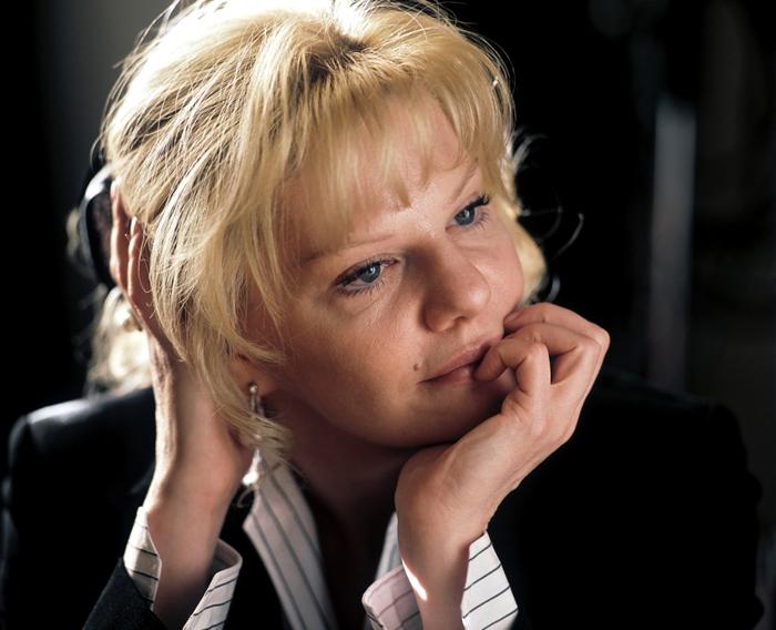 Александра Захарова отреставрировала портрет отца: «Ощущение, что он вернулся» - Звезды