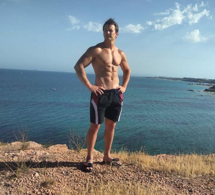 «Мы как изгои»: мать фитнес-тренера, утонувшего в Испании, боится не успеть на его кремацию - Звезды
