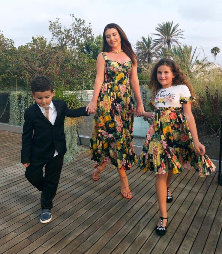 Певица с сыном Мироном и дочерью Маргаритой