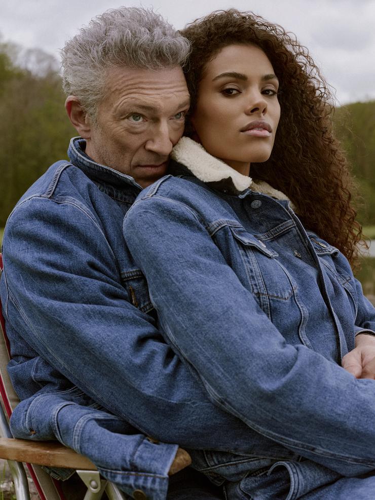 Тина Кунаки и Венсан Кассель снялись в новой рекламной кампании французского бренда The Kooples, лицами которого они теперь являются