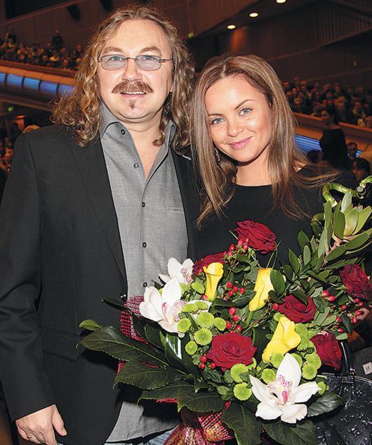 Молодая жена Игоря Николаева ждет ребенка 34