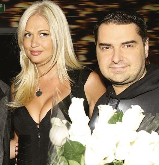 Виктория Лопырева все еще испытывает чувства к бывшему мужу